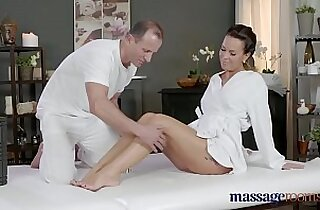 Massage Rooms Horny Milf sucks fucks her hard dick like a pro