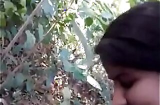 Desi indian girl very nice sucking n fucking in forest