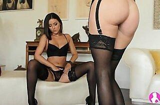 Lesbian Striptease Viv Thomas HD