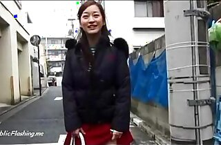 Japanese school girl upskirt flash in public streets