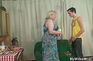 Son in law bangs bangs old plumper from behind